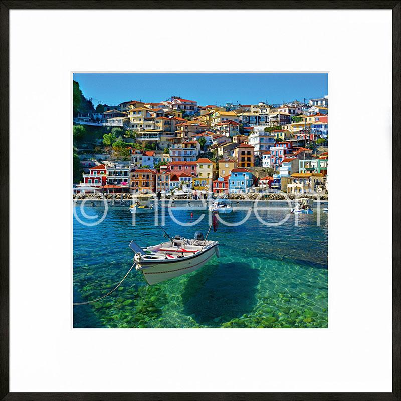 """Immagine incorniciata """"Parga Boat Greece"""" con cornice in alluminio C2"""