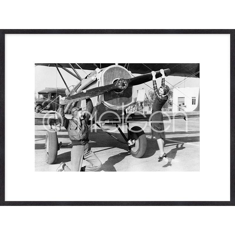 """Immagine incorniciata """"Historic plane II"""" con cornice in legno Quadrum"""