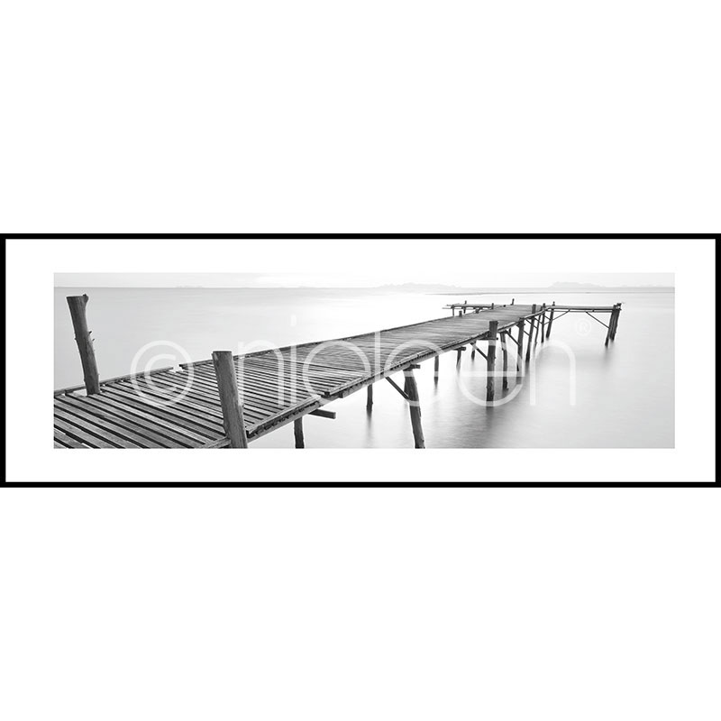 "Immagine incorniciata ""Footbridge black and white"" con cornice in alluminio C2"